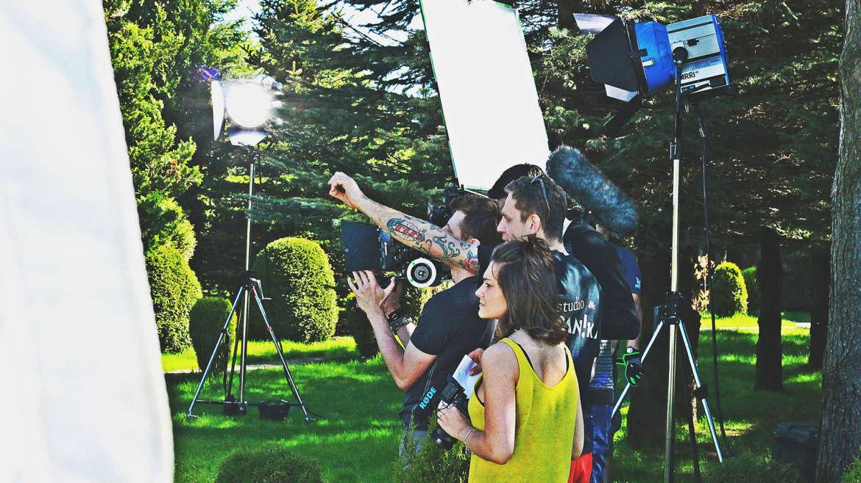 Ile kosztuje reklama filmowa? Zdradzamy ceny studia filmowego w Gdyni